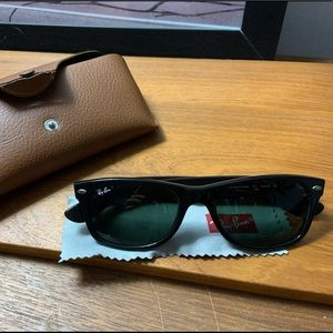 RayBan New Wayfarer Sunglasses - like new!
